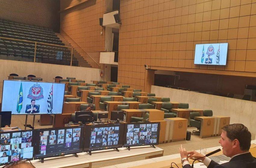 Reduzir salário de servidor da Assembleia de SP vira entrave em projeto de cortes para coronavírus